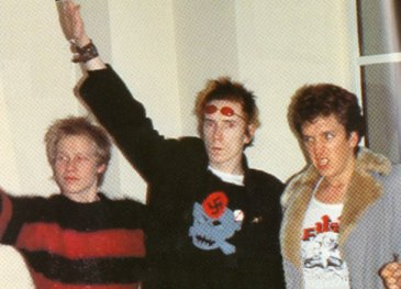 Sex Pistols: Paul Cook, Johnny Rotten ir Steve Jones
